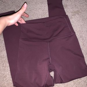 Wine red V back leggings like aligns brushed